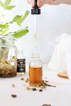 Herbal Medicine De-Stress With This Relaxing Herbal CBD Tincture - This relaxing CBD tincture uses a blend of calming herbs combined with CBD oil to help you de-stress naturally. Jeffree Star, Glow Up Tips, Oil Benefits, Face Skin Care, Herbal Remedies, Health Remedies, Health And Beauty Tips, Herbal Medicine, Beauty Care