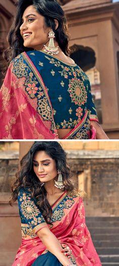 Designer silk sarees with crafted with zari thread embroidery. Designer Silk Sarees, Latest Designer Sarees, Indian Sarees Online, Casual Saree, Party Wear Sarees, Saree Collection, Saree Wedding, Different Styles, Blouse Designs