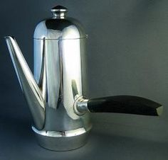 Creatie Tonic loves this Fine Mexican Coffee Pot made by William Spratling Phyllis Tucker Antiques, Houston Silver Teapot, Minimal Living, Mexican Jewelry, Southwest Style, Chocolate Pots, Teapots, Caffeine, Java, Houston