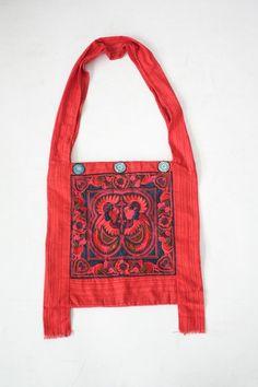 Handmade hippie cross body bag. #ethniclanna #handbag #crossbodybag #hmonghilltribes #hippiestyle #hippie