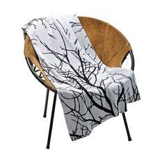 Lustgarten Strickdecke von Uppercase. Zeit zum Kuscheln im gemütlichen Sessel & Sofa mit einer perfekten Wolldecke: http://www.ikarus.de/accessoires/decken.html