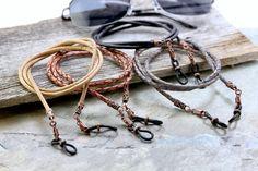 Portaojos de cuero trenzado rústico cadena de gafas para   Etsy Braided Leather, Leather Cord, Eyeglass Holder, Chains For Men, Antique Copper, Fathers Day Gifts, Eyeglasses, Braids, Accessories