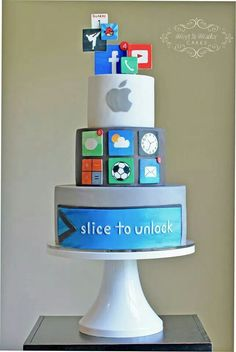 This cake reminded me about Facebook...lol because there is a picture of Facebook and that made me laugh