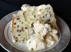 I'm not usually a cake lover, but this one I think I might like...butter pecan cake!