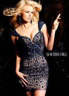 Loves Large Stones #SherriHill #Homecoming #Dresses