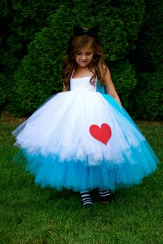 Alice in Wonderland. LOVE!! I wanna do this for myself! Tulle and the no-sew tutu method.