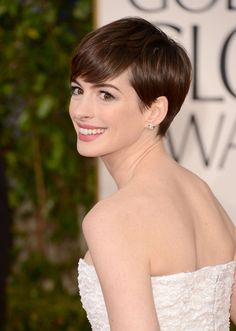 Anne Hathaway at Golden Globe