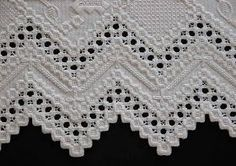 Hardanger - Yolande C. Types Of Embroidery, Learn Embroidery, Embroidery Patterns, Hand Embroidery, Hardanger Embroidery, Cross Stitch Embroidery, Diy Broderie, Bookmark Craft, Brazilian Embroidery