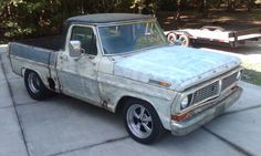 1967 - 1972 & Larger F-Series Trucks - pics of lowered ford trucks? - Can anyone post pics of their ford trucks that have been lowered? Chevy Diesel Trucks, Farm Trucks, Ford Pickup Trucks, Cool Trucks, Cool Cars, Ford Humor, Muscle Truck, Classic Ford Trucks, Panel Truck