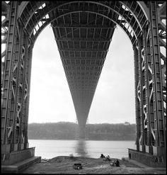 George Washington Bridge, NYC, 1951 - Erich Hartmann (via Architecture of Doom) Monochrome Photography, Black And White Photography, Street Photography, Today Pictures, Cool Pictures, Erich Hartmann, Washington Heights, Famous Photographers, George Washington Bridge
