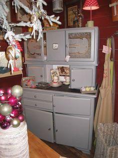 buffet de cuisine dit mado des ann es 1950 vintage meubles et rangements par patines. Black Bedroom Furniture Sets. Home Design Ideas