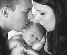 LOVE this picture...would LOVE something like this for our newborn shoot!