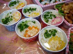 運動会のお弁当 : ごはんを中心に世界が回っている。 Mouth Watering Food, Bento Box Lunch, Picnic, Food And Drink, Menu, Rice, Cooking, Kuchen, Menu Board Design