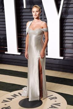 Rosie Huntington-Whiteley In Atelier Versace - At the Vanity Fair Oscar Party