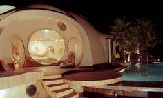 Pierre Cardin's Bubble House by Antti Lovag | http://www.designrulz.com/architecture/2012/12/pierre-cardins-bubble-house-by-antti-lovag/