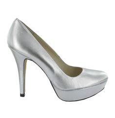 Zapato Salón de Piel con plataforma en Plateado. Un modelo básico y cómodo. Ref.6244