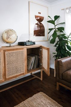 5 Respected Cool Tricks: Minimalist Home Modern Japanese Style minimalist home with kids storage.Warm Minimalist Home Mid Century minimalist decor diy clothes.Minimalist Interior Style Home Decor. Home Living Room, Living Room Designs, Living Room Decor, Living Room Dresser, Apartment Living, Living Room Cabinets, Living Room Storage, Decor Room, Apartment Therapy
