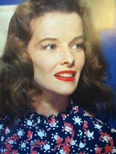 Katharine Hepburn Old Hollywood Stars, Hooray For Hollywood, Hollywood Icons, Hollywood Actor, Golden Age Of Hollywood, Vintage Hollywood, Classic Hollywood, Katharine Hepburn, Classy Women