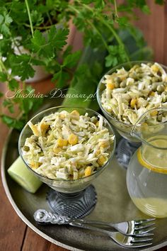 Przepis na sałatkę z pora. Anti Pasta Salads, Pasta Salad Recipes, Soup Recipes, Vegan Recipes, Salad Dishes, Cheap Easy Meals, Best Food Ever, Good Food, Food And Drink