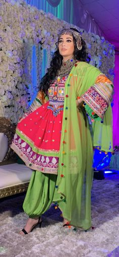 Afghan Clothes, Afghan Dresses, Three Piece Suit, Two Piece Dress, Afghanistan Culture, Afghan Girl, Beautiful Costumes, Chiffon Fabric, Traditional Dresses