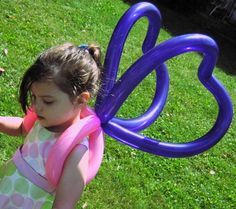 Butterfly Wings by Black Cat Balloon Company, via Flickr #balloon #twisting