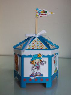 Caixa Carrossel Patati Patata Magic Box, Circus Party, Toy Chest, Christmas Ornaments, Toys, Holiday Decor, Vintage, Home Decor, Clown Party