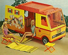 Malibu Barbie Camper I got this for my Birthday! I spent many, many hours playing with Malibu Barbie. Malibu Barbie, Barbie 80s, Vintage Barbie, Barbie Dolls, Barbie Dream, Barbie Camper Van, Barbie Stuff, My Childhood Memories, Anos 80