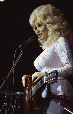 Happy Birthday to country legend Dolly Parton!
