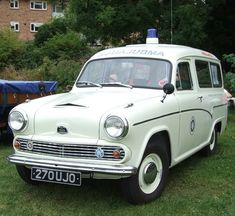 Austin A55 Ambulance Ambulance, Classic Trucks, Classic Cars, Vintage Cars, Antique Cars, Austin Cars, Auto Service, Emergency Vehicles, Commercial Vehicle