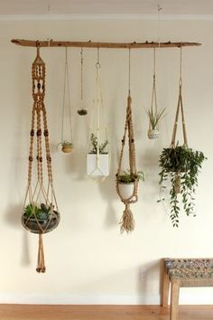 Hydroponic Gardening Ideas Hanging plants - Macrame is about knots in several patterns. Macrame is a simple art form to acquire the hang of. One specific macrame finds an owl made from twine springs to mind. Make sure to knot your yarn on th… Driftwood Planters, Diy Hanging Planter, Hanging Succulents, Indoor Hanging Baskets, Driftwood Macrame, Driftwood Shelf, Succulent Display, Hanging Plant Wall, Hanging Pots