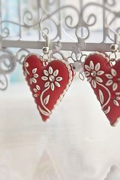 Felt hearts embellished with beading. LOVE these!!!