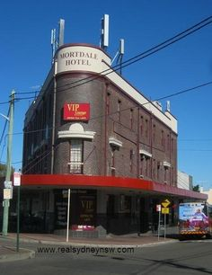 Mortdale Hotel in Pitt St, just near the station Newtown Sydney, St Just, Art Deco Buildings, Historical Architecture, Train Station, Melbourne, Nostalgia, Southern, Hotels