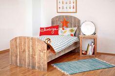 Kinderbetten - Ausgefallenes Kinderbett aus Naturholz Shabby Chic - ein Designerstück von KiddyWood bei DaWanda