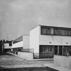 J.J.P. Oud, C: Rotterdam, 1930: Kiefhoek Netherlands