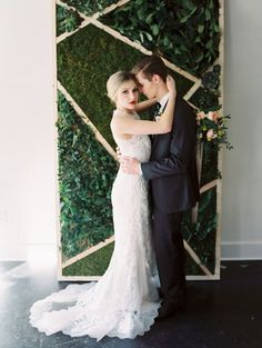 41 Edgy Modern Wedding Ideas You'll Love: geometric moss and greenery wedding backdrop look ideal for a modern affair