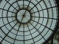 La cupola centrale della galleria Vittorio Emanuele a Milano