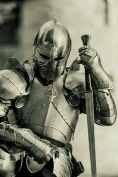 A warrior of Jesus will cloth himself/herself fully in the armor of God. (Ephesians We cannot afford to only out on portions of the armor, we must it it all on. Medieval Knight, Medieval Armor, Medieval Fantasy, Armadura Medieval, Knight In Shining Armor, Knight Armor, Illustration Fantasy, Armor Concept, Concept Art