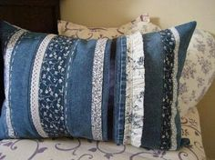 50 cushion covers made of jeans -DIY pillowcases made of recycled materials - Jeans - Sewing Pillows, Diy Pillows, Cushions, Pillow Crafts, Jean Crafts, Denim Crafts, Artisanats Denim, Blue Denim, Jean Diy