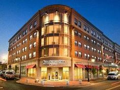 Portland (ME) Residence Inn Portland Downtown/Waterfront United States, North America Residence Inn Portland Downtown/Waterfront is perfectly located for both business and leisure guests in Portland (ME). The hotel offers guests a range of services and amenities designed to provide comfort and convenience. Free Wi-Fi in all rooms, family room, pets allowed are just some of the facilities on offer. Some of the well-appointed guestrooms feature television LCD/plasma screen, air ...