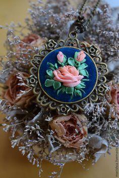 """Купить Кулон """" Коллет """" - разноцветный, роза, кулон, персиковая роза, Вышивка лентами"""