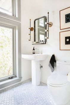 Is your bathroom looking its best self? With just a few accessories, you could take your space from plain to polished. Here's your ultimate checklist. /