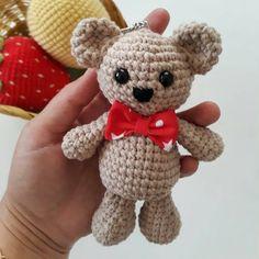 Cosas A Crochet Crochet Dolls Hello Kitty Nikon Teddy Bear Baby Shower Crochet Patterns Knitting Projects Crochet Birds, Crochet Bear, Crochet Dolls, Baby Knitting Patterns, Amigurumi Patterns, Crochet Patterns, Hello Kitty, Diy And Crafts, Teddy Bear