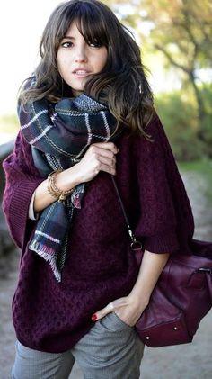 Pull bordeaux + écharpe à carreaux écossais. Le look à shopper >> http://www.taaora.fr/blog/post/pull-bordeaux-violet-en-maille-torsadee-echarpe-carreaux-ecossais #outfit #look