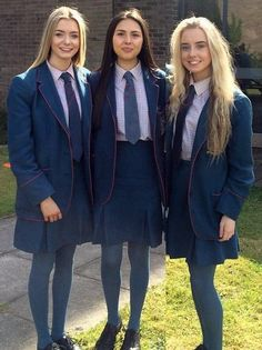 Three Girls in school uniform with ties and blazers wearing Tights in matching color Catholic School Uniforms, Private School Uniforms, Private School Girl, Cute School Uniforms, School Uniform Girls, Girls Uniforms, School Girl Dress, School Wear, Girl Photo Poses
