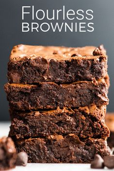This Easy, Healthy & Fudgy Flourless Brownies recipe is made with 8 ingredients and ready in 25 minutes! They are truly the best gluten-free brownies ever and are also paleo & dairy-free! Easy Gluten Free Desserts, Healthy Cookie Recipes, Gluten Free Cakes, Healthy Dessert Recipes, Brownie Recipes, Fun Desserts, Sugar Free Brownies, Gluten Free Brownies, Easy Brownies