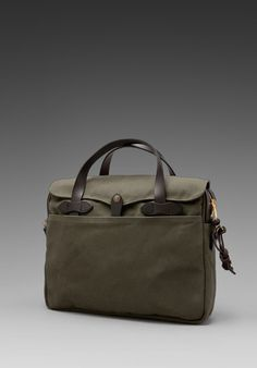 I have a J. Crew briefcase that's similar to this one from Filson but the quality hasn't kept up. Will probably upgrade to this ...