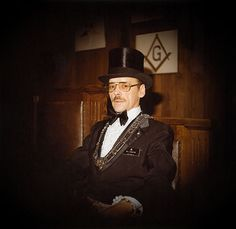 Masonic Worshipful Master Bill Edgerton. InFreemasonry, top hats are often associated with the position ofWorshipful Masteras they are the only member allowed the privilege to wear one, or another appropriate head covering to signify their leadership within the lodge. It is also common for Worshipful Masters to receive top hat related trinkets and gifts on either the day of their installation or as a going away present.[29]In other countries, especially within certain systems in Germany…