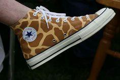 Giraffe print converse