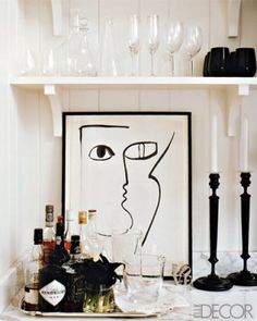Like this black and white bar cart alternative (Elle Decor via Apartment Therapy) White Bar, Black And White, Bar Tray, Bar Cart Styling, House Design Photos, Deco Table, Home Living, Elle Decor, Bars For Home