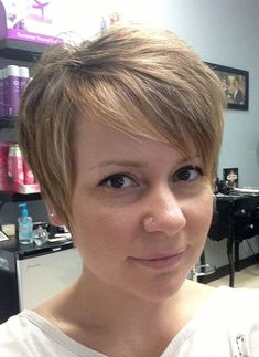 How to Grow Out a Pixie Haircut With Style: Six Months Later: Important Hair Growing Tips Hair Growing Tips, Growing Your Hair Out, Grow Out, Grow Hair, Growing Out Pixie Cut, Growing Out Short Hair Styles, Grown Out Pixie, Pixie Cut Styles, Pixie Hairstyles